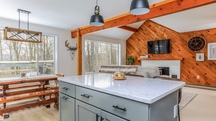 3 BR Cozy + Renovated Cabin in the White Mountains