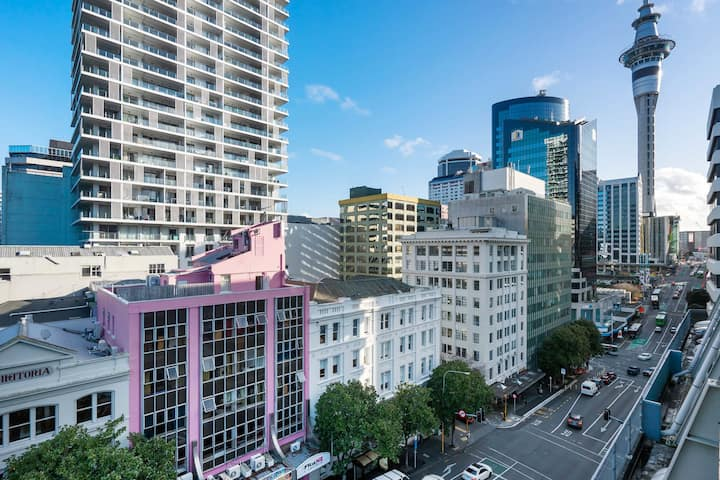 12-Bed Mixed Dormitory Room_Auckland CBD
