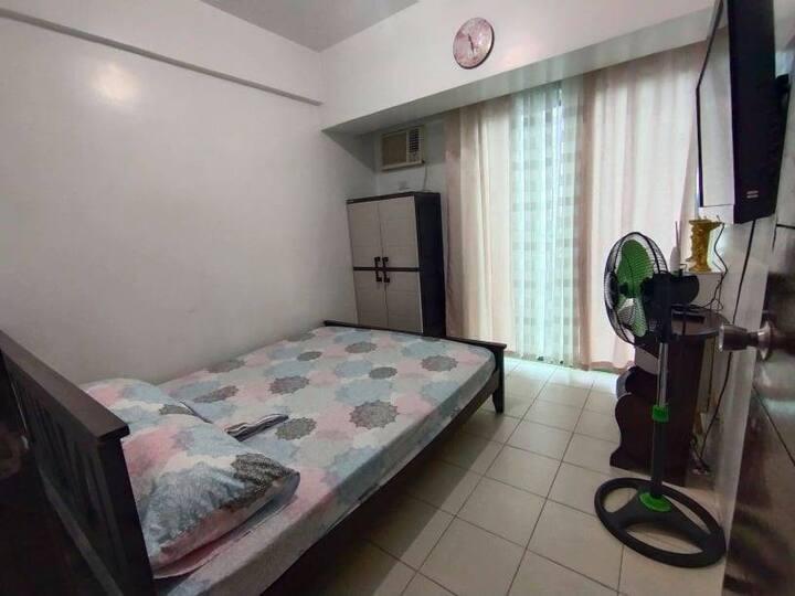 1BR Condo for Rent at Las Pinas Royal Palm 5th Flr