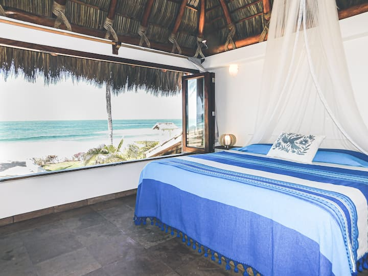 "Beachfront bungalow ""Amorita 2"" unbeatable views"