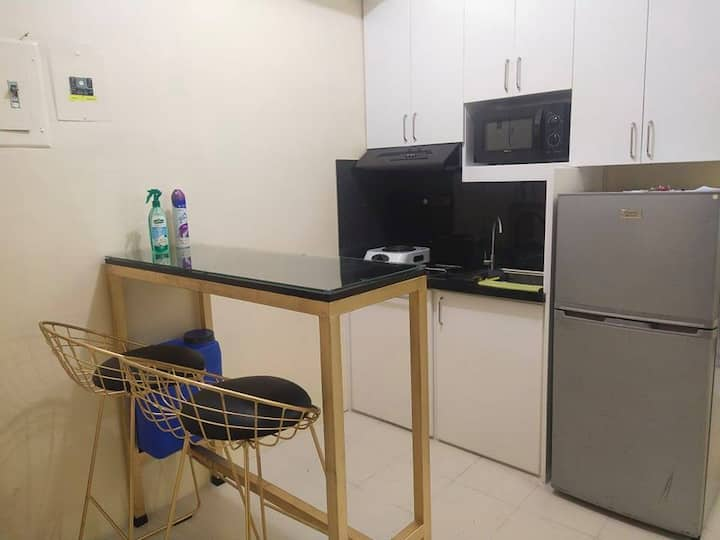 1BR Condo for Rent at Las Pinas Royal Palm 7th flr