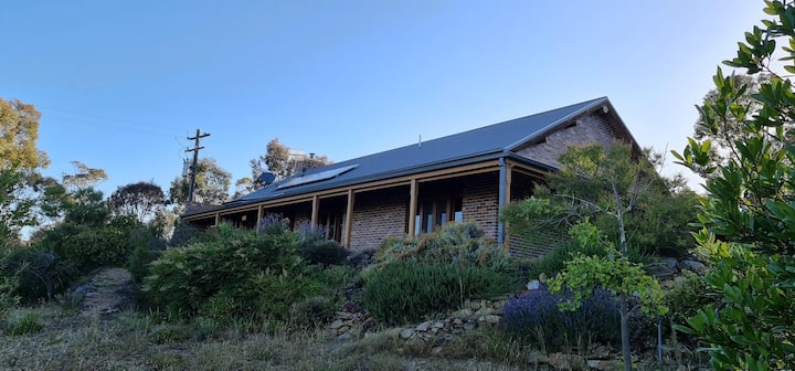 Cottage on Acres - Snowy Mountains - EV Friendly