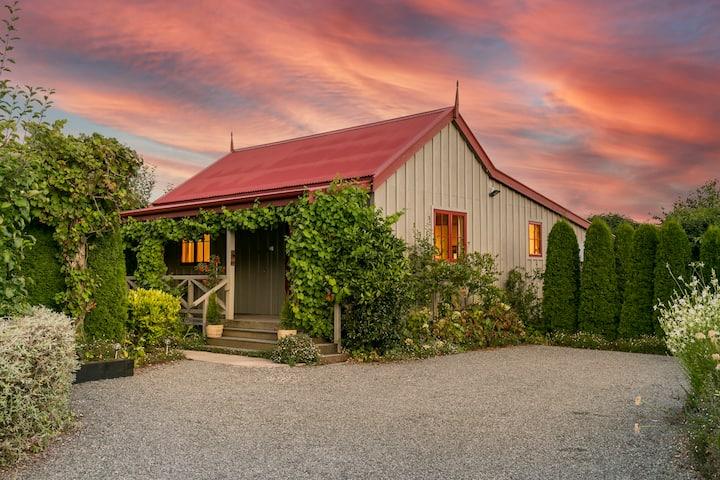 Gorgeous Garden Cottage