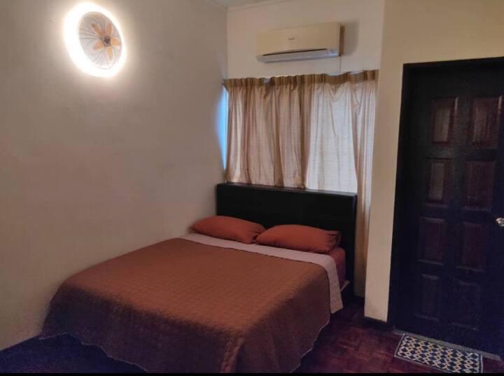 ONE BEDROOM RENTAL + PARKING SPACE IN SUBANG JAYA
