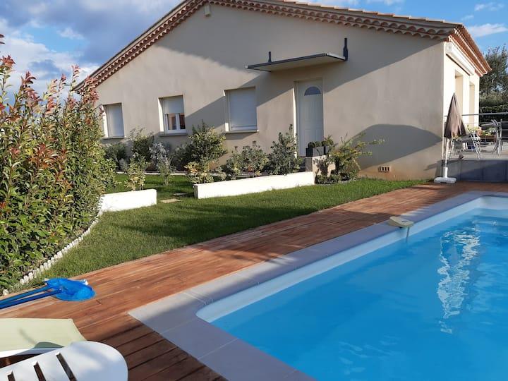 Charmante villa avec piscine, Sud de france.