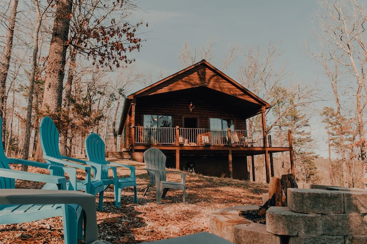 Foxcroft Buffalo River Cabin: Cozy Secluded w View