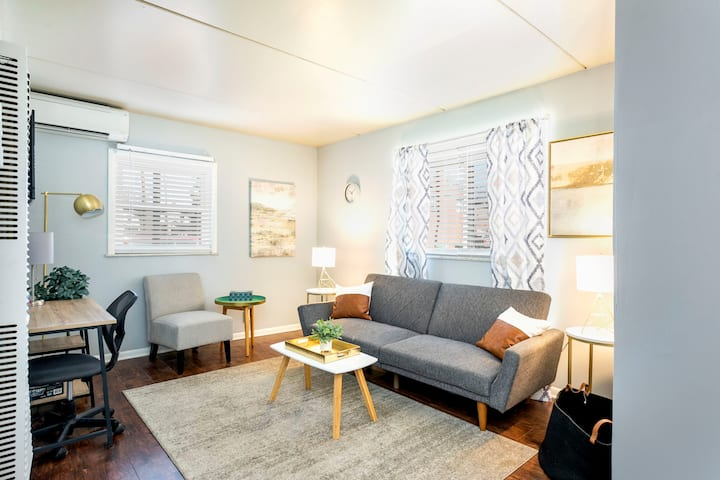 Efficient + Central Old North Flat ⭐️ Free Parking