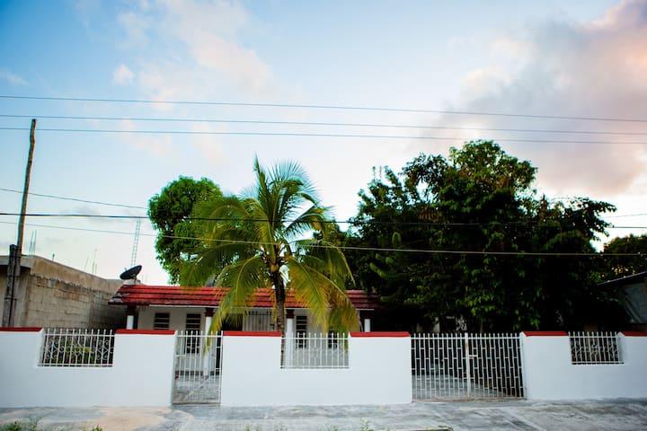 Casa Completa a 5 Cuadras del Parque Principal