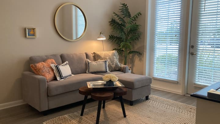 Cozy, Clean, Easy Living - WiFi and Amenities