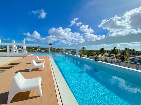ROOFTOP POOL PENTHOUSE