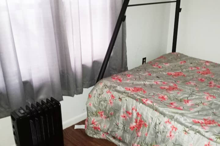 full bed in basic private room