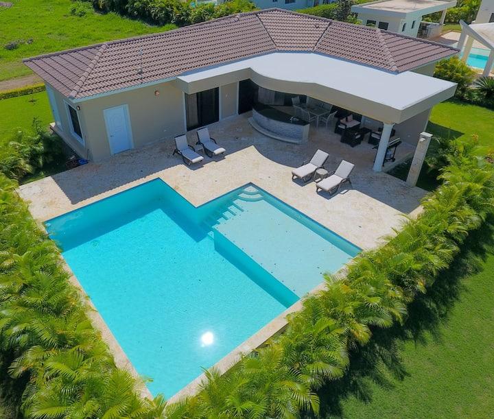 2 BD w/ Private Pool Oasis in Casa Linda Villa 830