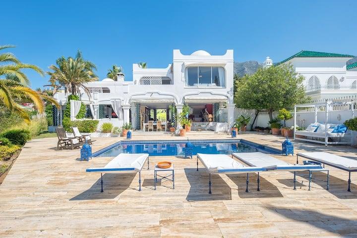 Elegant villa with sea views in Marbella