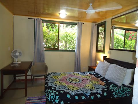 Secure  Jungle cabina room in Manuel Antonio # 2