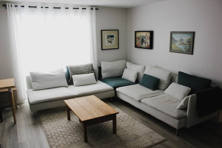 Peaceful 1BR Sarnia Suite