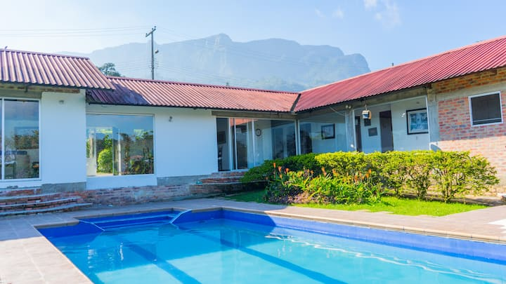 Casa Campestre con piscina privada BBQ y WIFI