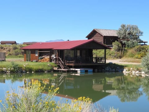 Almosta Ranch Dry Cabin on the Pond