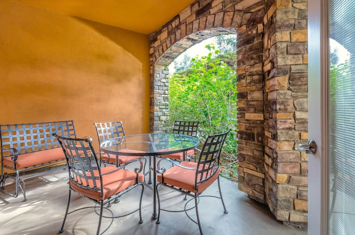 1 Bedroom Suite in Napa Valley with Private Patio