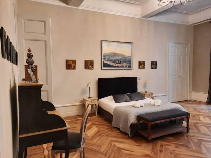 Suite Ducs de Savoie avec services hoteliers