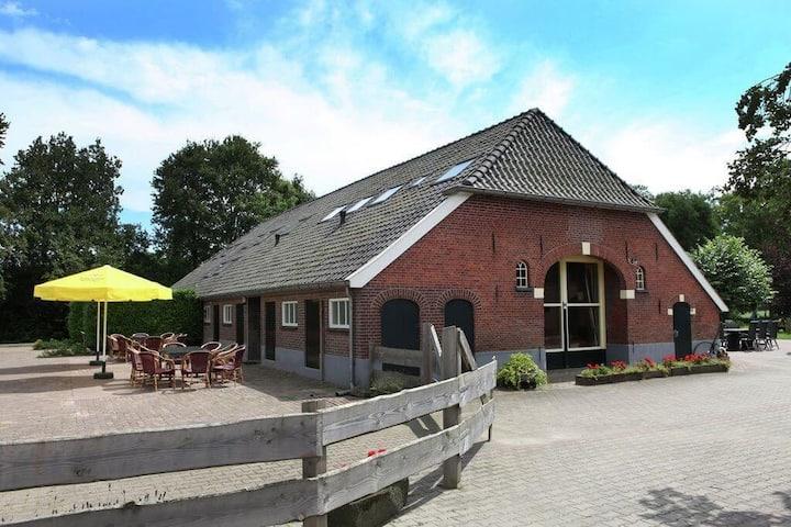 De Nieuwe Delle Boerderijwoning met sauna