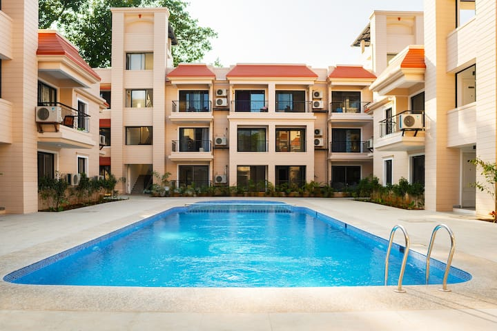 Entire 2 Bed room with swimming pool in north Goa