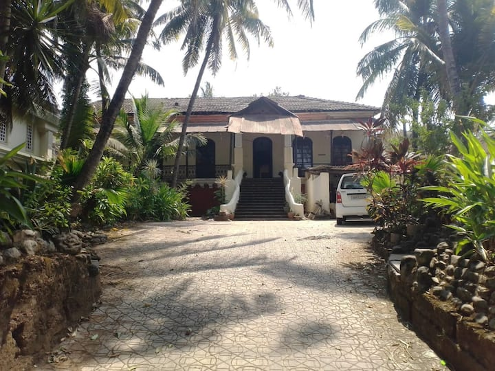 Goan ancestral home Nr Colva Beach, easy transport