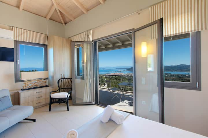 Villa Kallisto w/ Private Pool & Seaviews