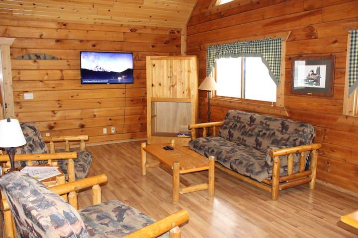 Yogi's Cabin 909- End Unit, Private deck
