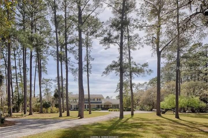 Large home on May River, perfect for events!