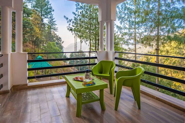 Astonishing 3BHK Villa nr Nainital w/Free BKFST