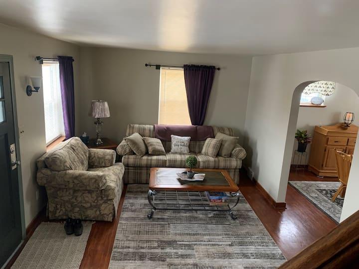 Wood Street Retreat, comfy, cozy, convenient