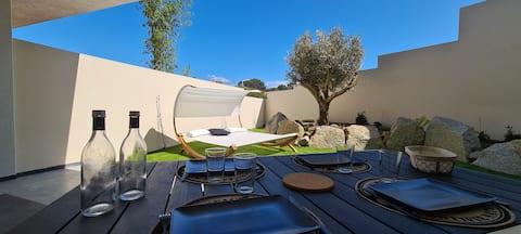 Appt Noir Corse, neuf terrasse+jardin, plage à2min