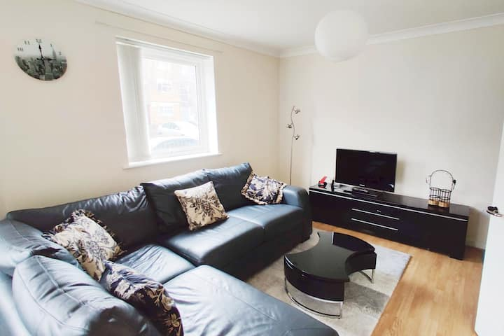 Spacious 2 bed apartment in the heart of Wimbledon