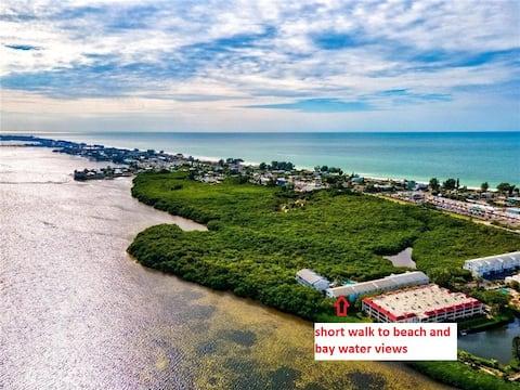 AMI Condo mit beheiztem Pool, Wasserblick, Strandspaziergang