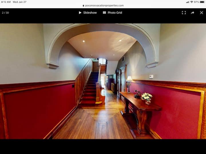 Tour this Classic Luxury home , Couple Midweek sav
