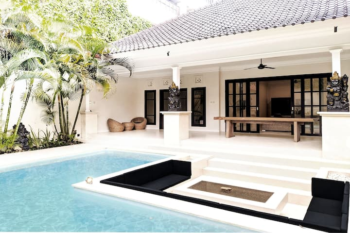 2BR Luxury Pool Villa in Seminyak Kuta #108