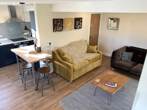 A spacious & stylish retreat, ideal for long stays