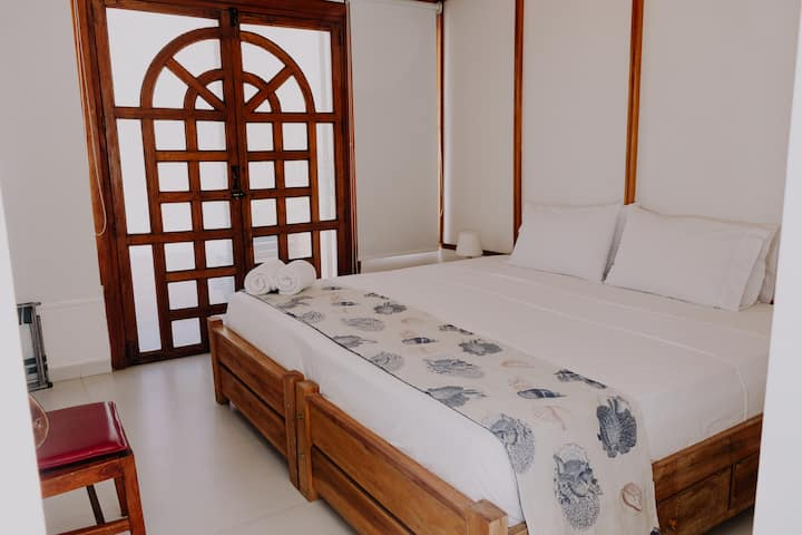 Nautilus Plaza B&B 102