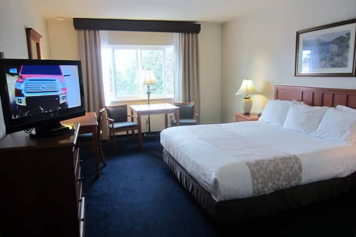 1 King Bed Newport Beach