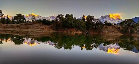 Heaven Hills Camp site for Trekkers in Deoriatal