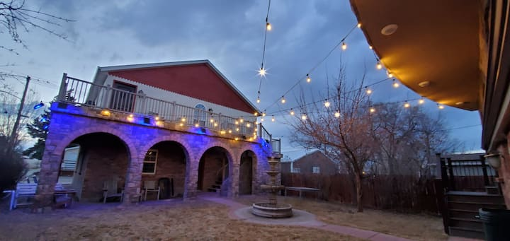 Charming Carriage House Suite