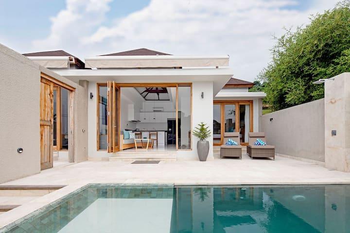 Private Pool Villas on Gili Gede