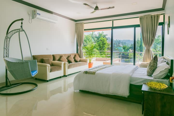 GOLD FINCH VILLA BY THE NEST STAYS LONAVALA