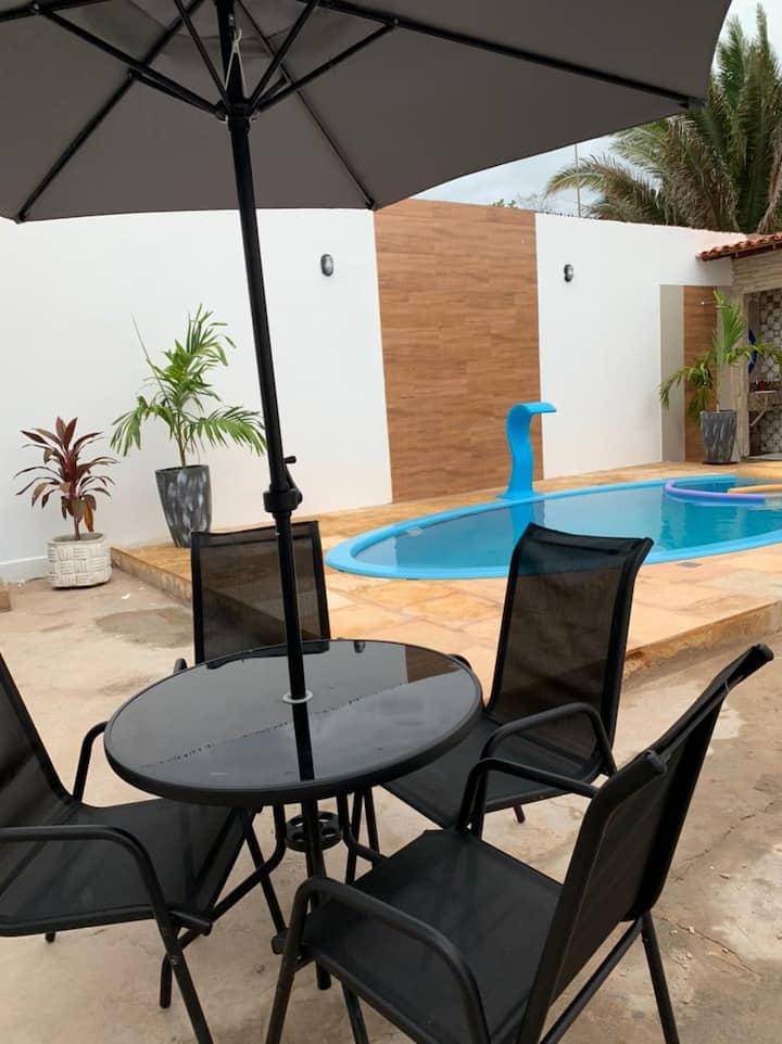 Casa na Raposa com piscina em condomínio fechado