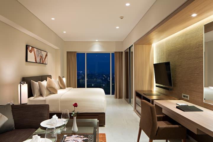 Superior King Room by Oakwood Hotel Surabaya