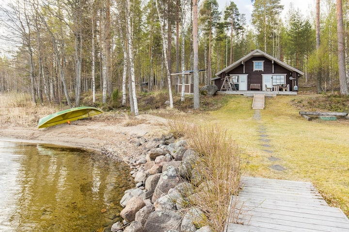 Kodikas hirsimökki Päijänteellä, 25 km Lahdesta