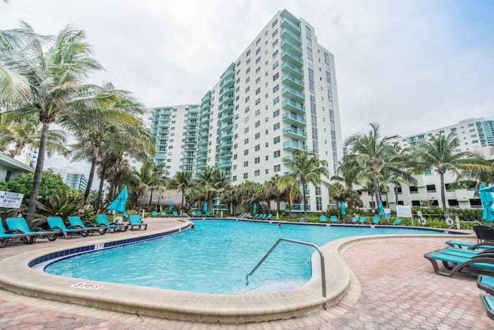 NEW *OCEAN VIEW*  1 BDR on the BEACH !!!