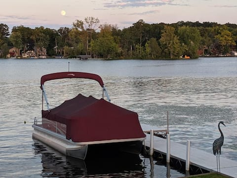 """AllSports CrookedLake """"Neon Oasis"""" w/Boat for rent"""