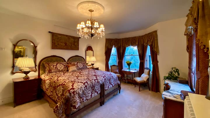 Breese Inn - Valentine Suite