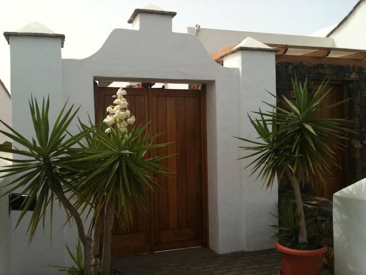 Villas Yaiza. Casa de Yaiza Buenlugar